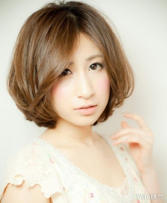 【女生短发烫发图片】女生短发烫发型大全